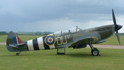 G-LFIX - Supermarine Spitfire T.9 - Private