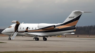 N25V - Canadair CL-600-1A11 Challenger 600 - Private