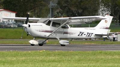 ZK-TAT - Cessna 172R Skyhawk II - Ardmore Flying School