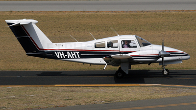 VH-AHT - Beechcraft 76 Duchess - Aero Club - Bunbury