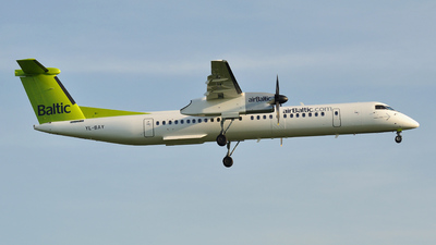 YL-BAY - Bombardier Dash 8-Q402 - Air Baltic