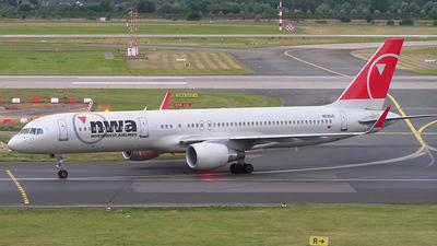 N536US - Boeing 757-251 - Northwest Airlines