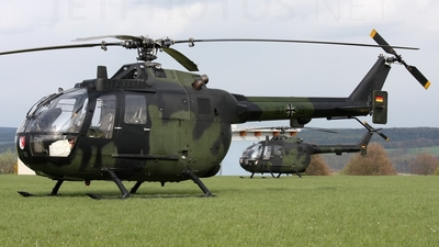 87-52 - MBB Bo105P1 - Germany - Army