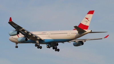 OE-LAG - Airbus A340-212 - Austrian Airlines