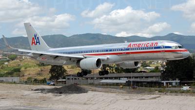 N197AN - Boeing 757-223 - American Airlines