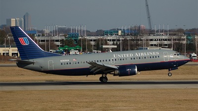 N303UA - Boeing 737-322 - United Airlines