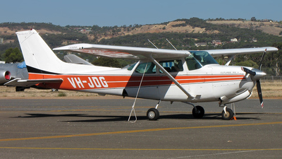 VH-JDG - Cessna 172RG Cutlass RG - Private