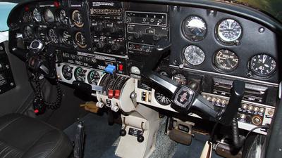 PT-DYZ - Piper PA-34-200 Seneca - Aerocon Flight School