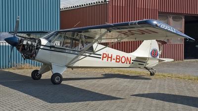Aviat A-1B Husky - Amsterdamse Club voor Zweefvliegen