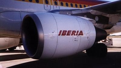 EC-HQJ - Airbus A320-214 - Iberia