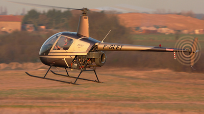 F-GLET - Robinson R22 Beta - Private