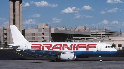 N903BN - Airbus A320-231 - Braniff