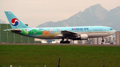 HL7242 - Airbus A300B4-622R - Korean Air