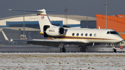 A picture of N44LX -  - [] - © Steven Gray