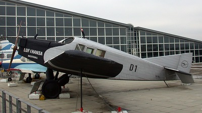 D1 - Junkers F-13 - Private