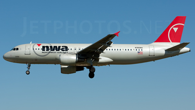 N350NA - Airbus A320-211 - Northwest Airlines