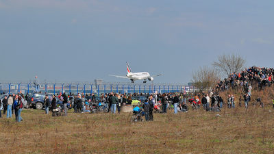 EPWA - Airport - Spotting Location