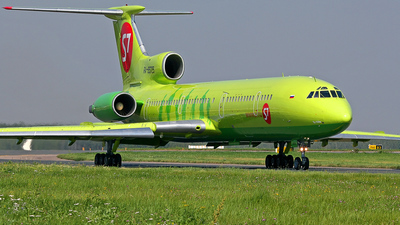 RA-85725 - Tupolev Tu-154M - S7 Airlines