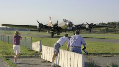 KBLM - Airport - Spotting Location