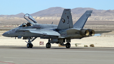 163733 - McDonnell Douglas F/A-18C Hornet - United States - US Marine Corps (USMC)