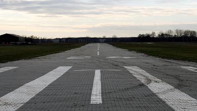 - Airport - Runway