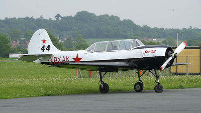 A picture of GBXAK - Yakovlev Yak52 - [811508] - © Tartanpics