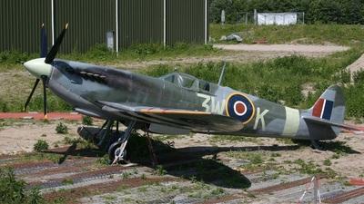 - Supermarine Spitfire Mk.IX - Private