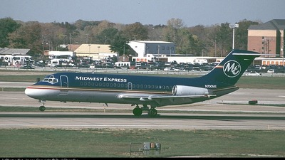 N700ME - McDonnell Douglas DC-9-14 - Midwest Express Airlines