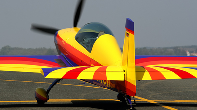 D-EMCK - Extra 300L - Private