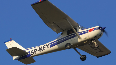 SP-KFY - Cessna 150 - Private