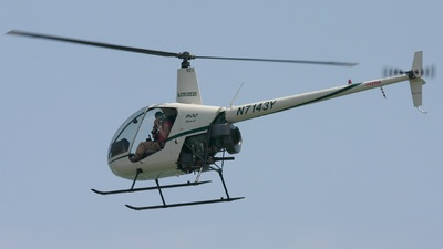 A picture of N7143Y - Robinson R22 Beta - [3713] - © Moose135