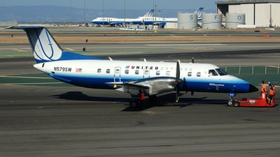 N579SW - Embraer EMB-120ER Brasília - United Express (SkyWest Airlines)