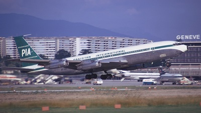 AP-AWV - Boeing 707-373C - Pakistan International Airlines (PIA)