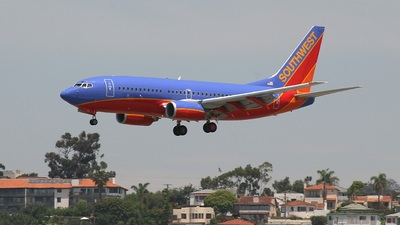 - Boeing 737-3H4 - Southwest Airlines