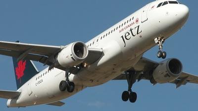 C-FDCA - Airbus A320-211 - Air Canada Jetz