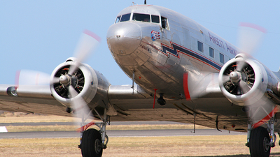 VH-ABR - Douglas DC-3 - Private