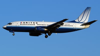 N377UA - Boeing 737-322 - United Airlines
