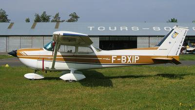 A picture of FBXIP - Cessna F172J Skyhawk - [F1720553] - © Alexandre Fevrier