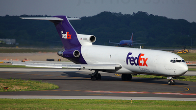 A picture of N490FE -  - [] - © Stephen Furst