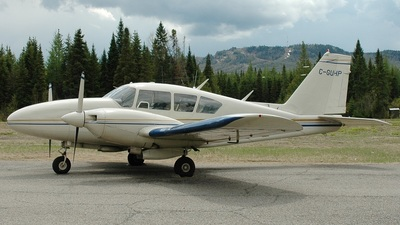 C-GUHP - Piper PA-23-250 Aztec - Private