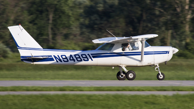 A picture of N94891 - Cessna 152 - [15285806] - © Andrew Thompson
