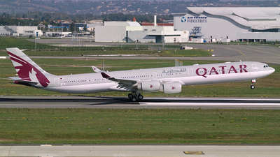 F-WWCM - Airbus A340-642 - Qatar Airways