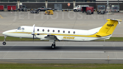 N640MW - Beech 1900C - Private