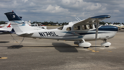 A picture of N1715L - Cessna T206H Turbo Stationair - [T20608788] - © Paul Chandler