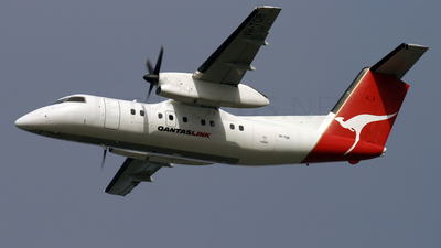 VH-TQR - Bombardier Dash 8-102 - QantasLink (Eastern Australia Airlines)