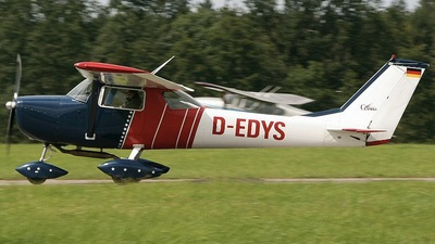 D-EDYS - Cessna 150F - Private