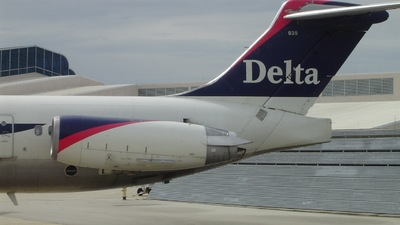 N939DL - McDonnell Douglas MD-88 - Delta Air Lines