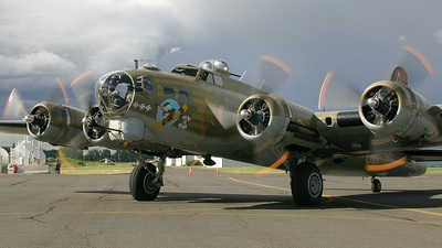 N93012 - Boeing B-17G Flying Fortress - Private