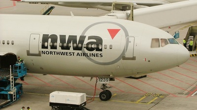 N239NW - McDonnell Douglas DC-10-30(ER) - Northwest Airlines
