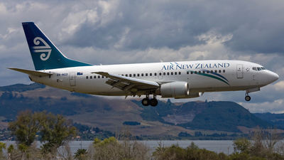 ZK-NGD - Boeing 737-3U3 - Air New Zealand